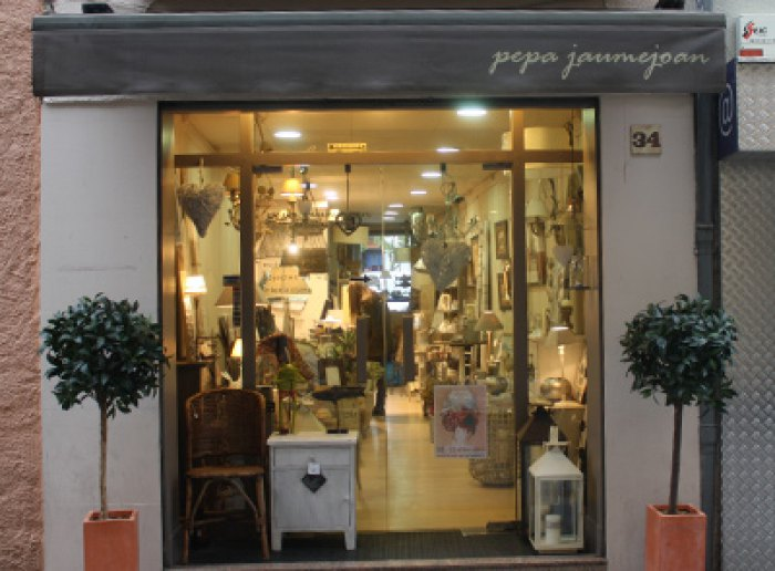 Mobles i complements per la llar, Puigcerdà